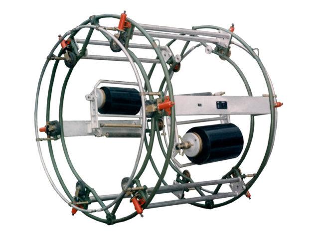 Устройство для ручной изоляции лентой труб DN 1000 - 1400